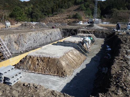 タービン・発電機の基礎工事 2014/2/12 撮影 火力発電タービン・発電機の設置部分の基礎となります。